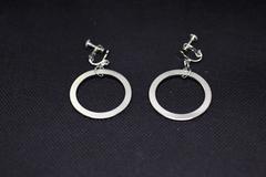 earrings02c.jpg